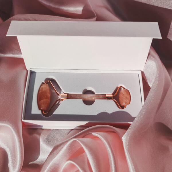 minji cosmetics rózsakvarc arcmasszírozó roller