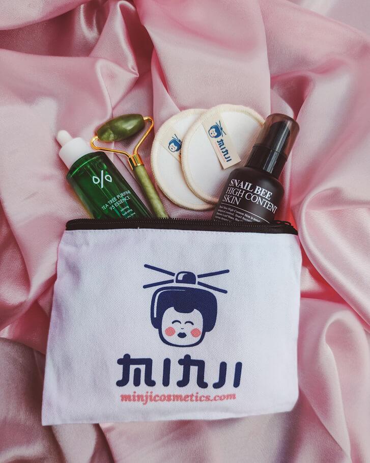 Minji cosmetics neszeszer